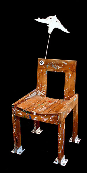 The chair/chair, metal, stainless steel, paper mache, acrylic paint/170.60.140 cm/2010