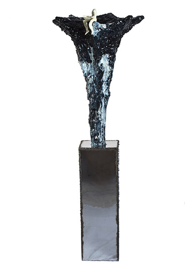 Eruption from No Mind series/metal, plaster, synthetic resin, chromed metal, modeling clay, acrylic with transparent color coating/150x50x50 cm
