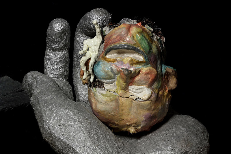 Under pressure/metal, plaster, paper mache, modeling clay, acrylic paint/70.50.55 cm/2011