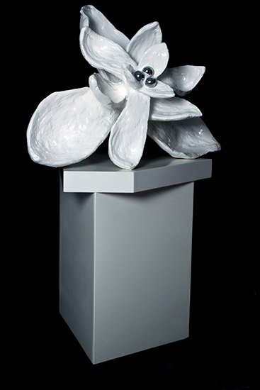 The flower from No Mind series/metal, plaster, synthetic resin, chromed stainless steel, wood, car paint with transparent color coating/ 90.70.140 cm/2012